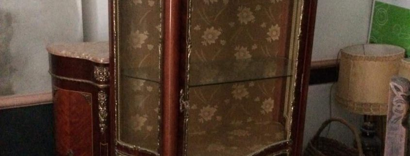 Plaga de carcoma en muebles antiguos, tratamiento